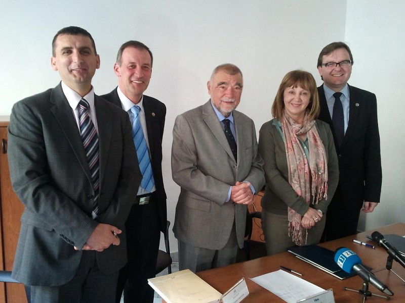 MoU signed with Croatia without Mines