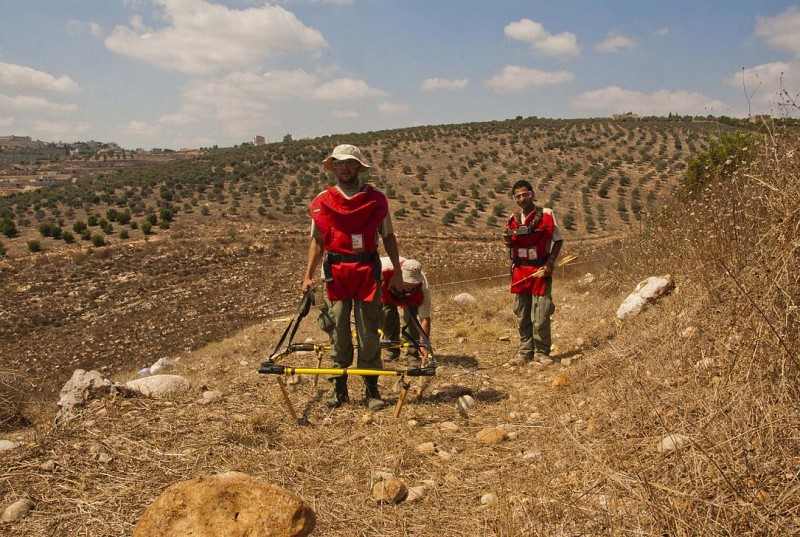 ITF visits Cluster Munitions Clearance operations in South Lebanon