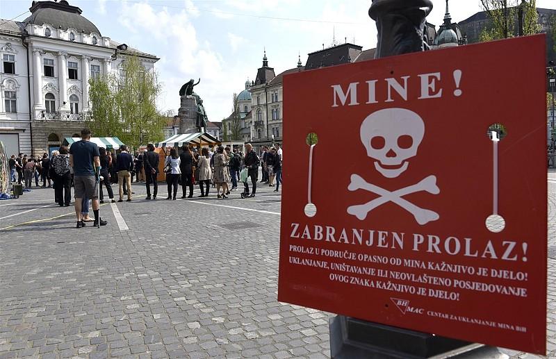 Prešeren Square on 4 April [Photo courtesy of BoBo]