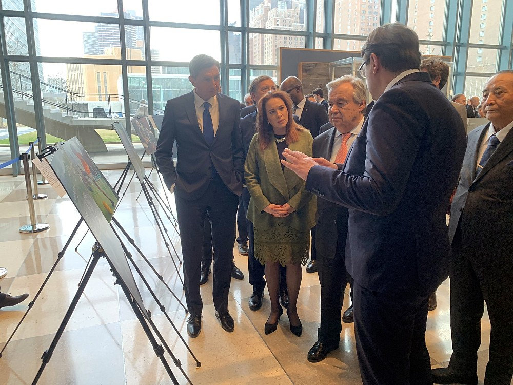 ITF Director Amb Tomaž Lovrenčič explaining the work and vision of ITF to the President Borut Pahor, UN General Assembly President Ms Maria Fernanda Espinosa Garces and UN Secretary General Mr Antonio Guterres.